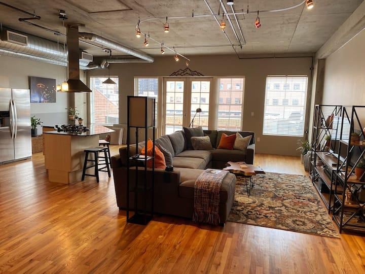 Loft style LoDo Condo/30 Day Rental