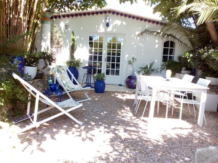 Maison dans le jardin du château de Gaillard 70e