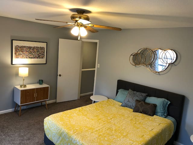 Midtown Cozy Duplex - Minutes from everything!