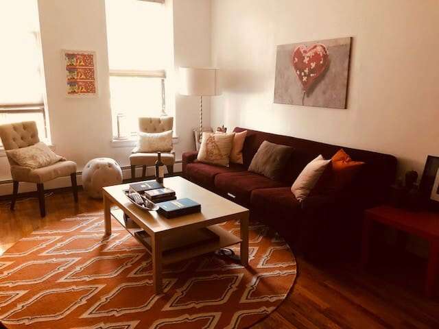 Spend the Holidays in Harlem in a lovely home!