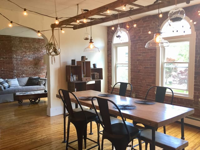 Downtown Northampton Loft Apartment
