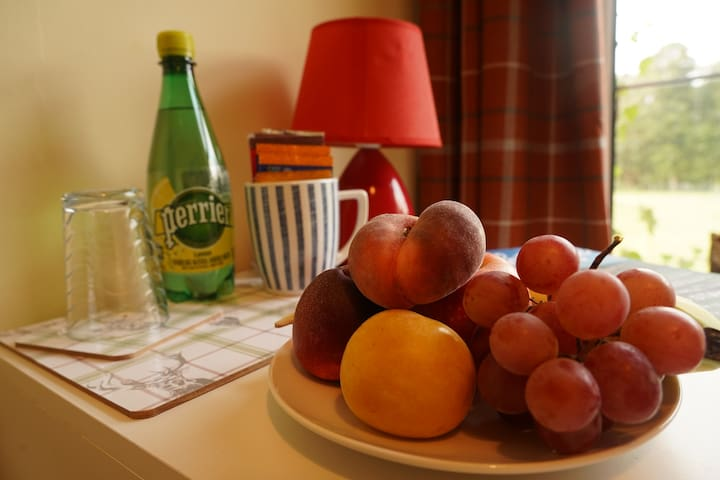 All guests will get a mix of fruits and a small bottle of mineral water, as well as some teas and coffees to make your stay easy.