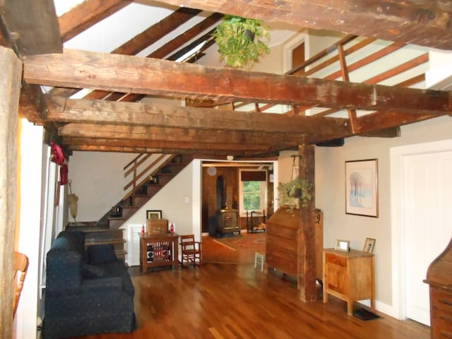 1 bedroom in Charming Farmhouse with Okemo views!
