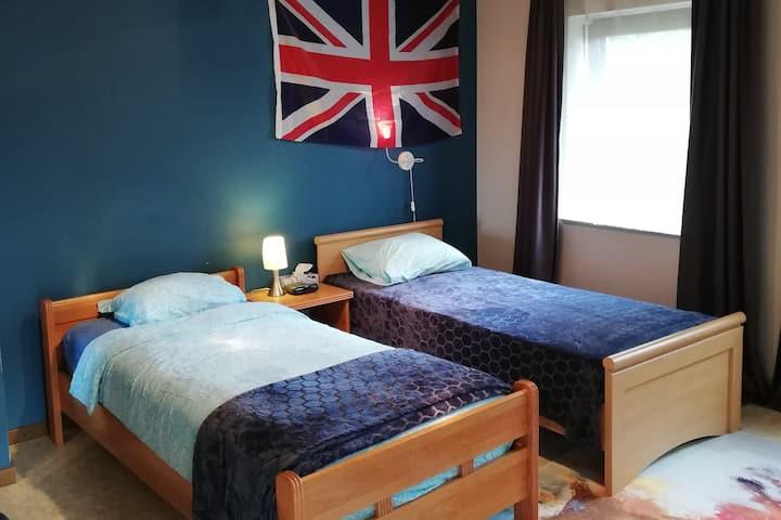 CASA Victoria - British Room