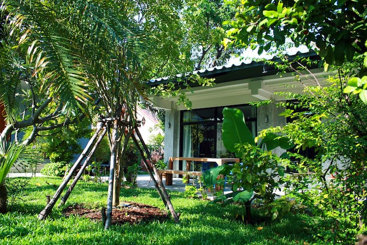 Stylish house in tropical garden - Banguecoque - Casa