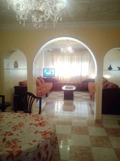 Dining Room and Lounge - Salon et Salle à manger 33 m2