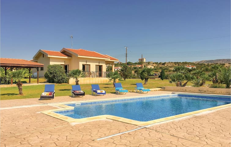 Beautiful home in Maroni Lamaka with WiFi and 4 Bedrooms