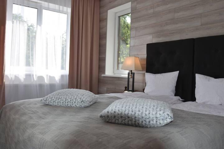 Спальня 2 с  комфортабельной краватей king size