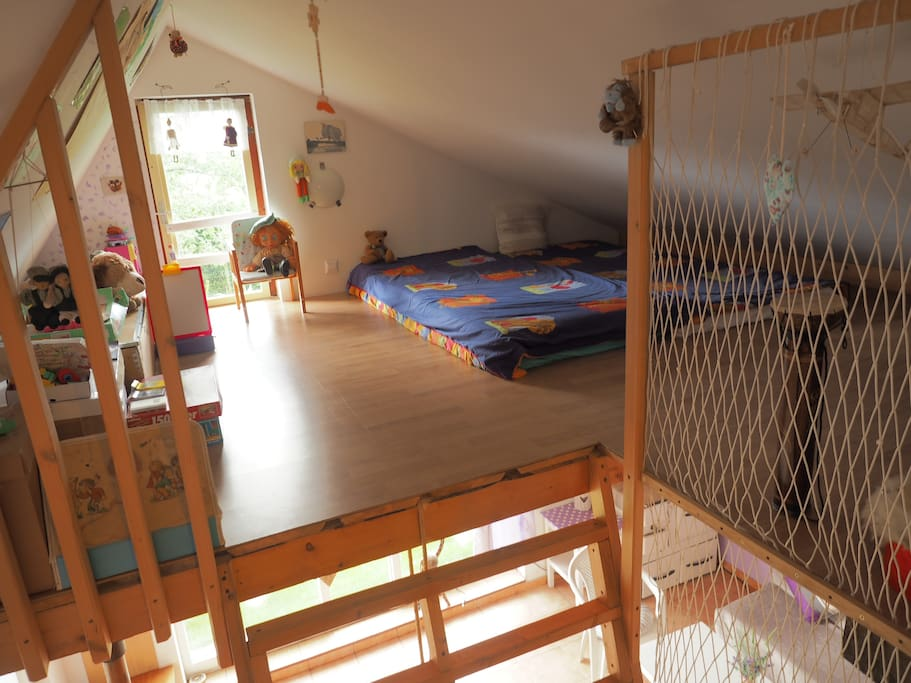 Childern space with sleeping option
