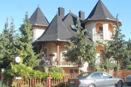 Erkélyes panorámás szobák Balaton - Keszthely