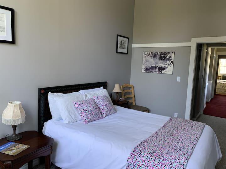 The Art Room Northside School Bed & Breakfast Room 5