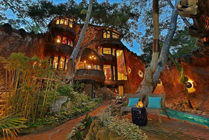 The Whale House - Unique Architectural Masterpiece in Mission Canyon
