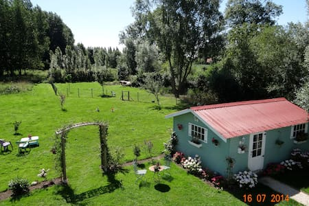 Lovely house in the swamps with large garden - Tilques