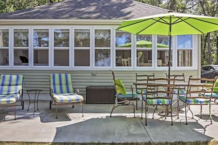 Classic 2BR Beachfront Cottage - Port Austin