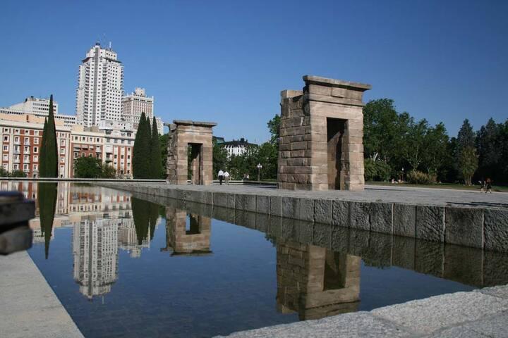 Templo de Debod / Plaza de España