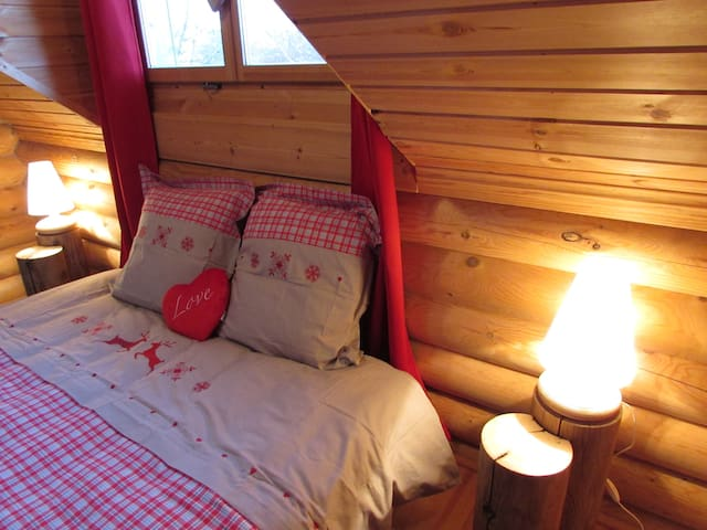 Maison en rondins de bois - Marly - House