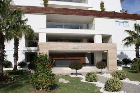Babylon Beach 1 Bedroom Luxury Apartment - Ilıca Belediyesi - Wohnung