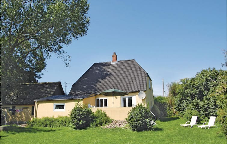 Holiday cottage with 2 bedrooms on 102m² in Bagenkop