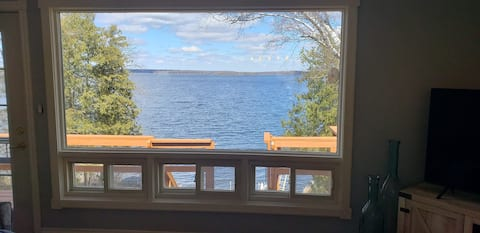 PEC Lakehouse with beach and AC!