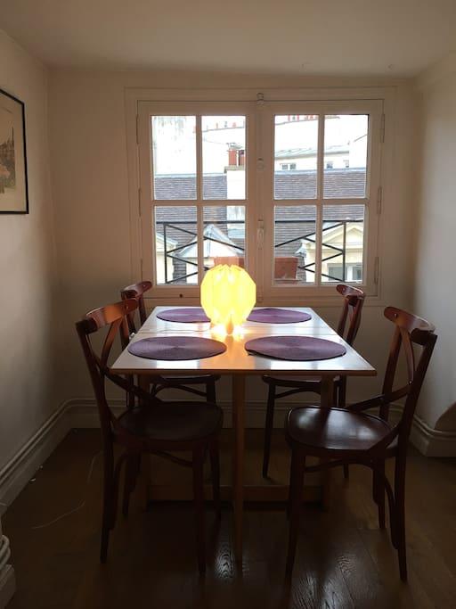 Dining overlooking Paris