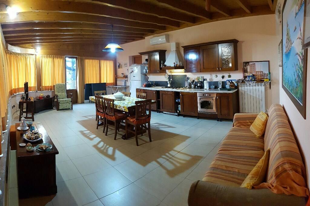 Cucina-soggiorno comune
