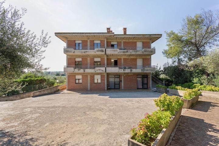 Elegant apartment with swimming pool and gym on Lake Trasimeno
