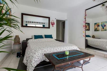 Brand New Apartment near beach - Milwaukee, Wisconsin, US - Casa
