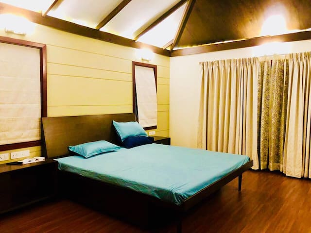 Master bed room on 1st floor with attached pruvate living room n terrace lobby