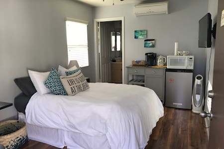 Newly remodeled quiet ohana with garage parking - Ewa Beach - Guesthouse