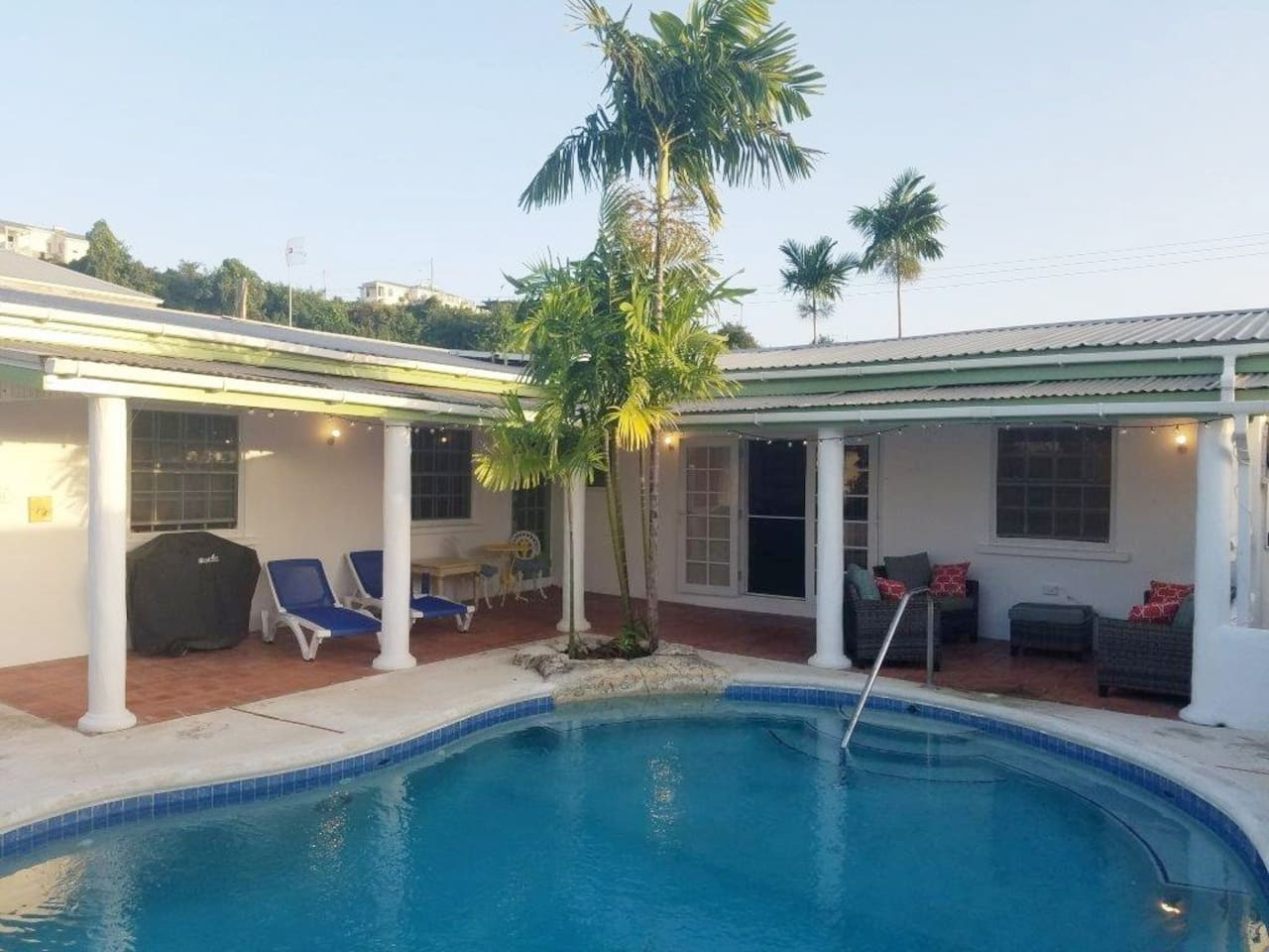Luxury four bedrooms, 3 bathrooms villa with a private swimming pool, 5 mins walk to the fantastic sandy beach