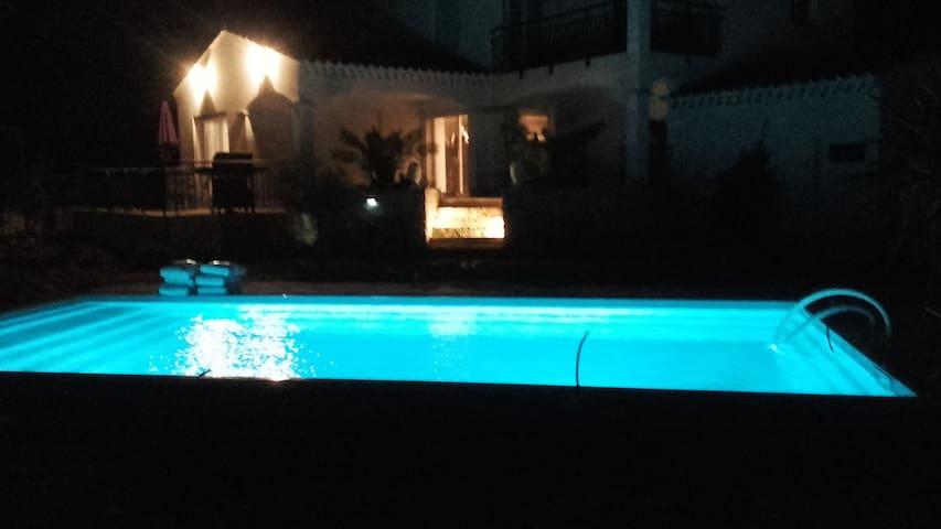 Jolie villa spacieuse lumineuse - Bagnols-sur-Cèze - Villa