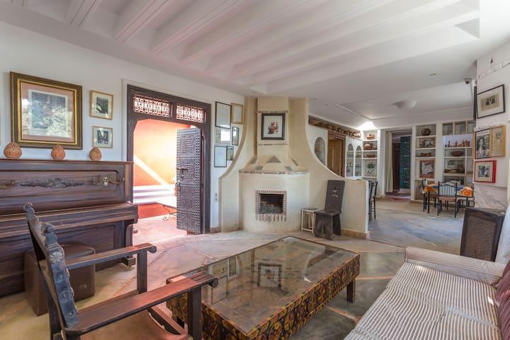 AL MAQAM Artistes Residence