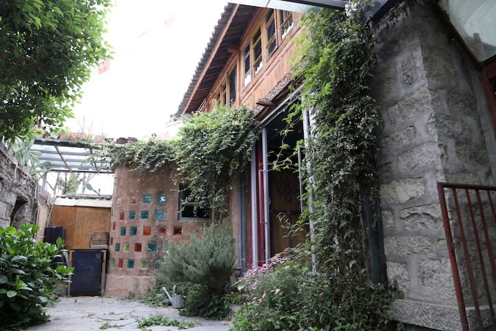 Courtyard South