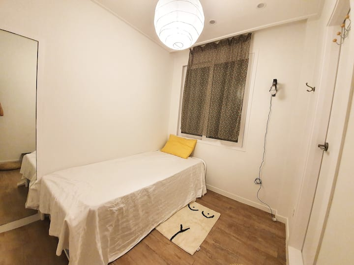 Private single room in Myeongdong 106 F