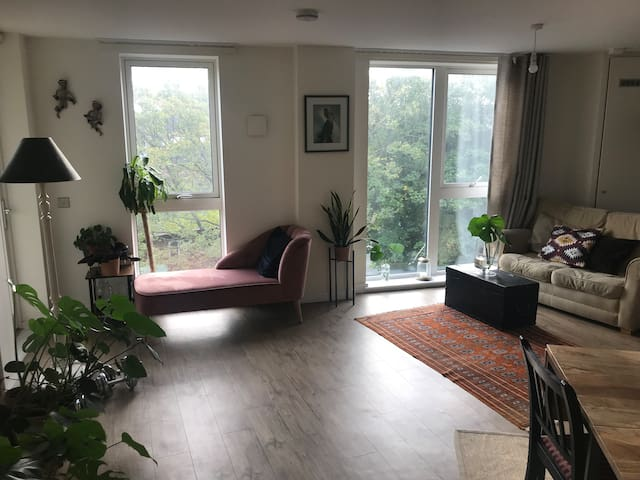 Lovely ensuite room in the heart of Peckham
