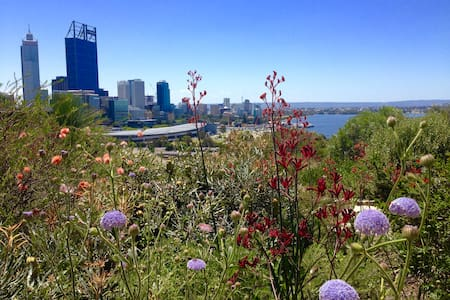 Walk to Kings Park, the Swan and St Georges Tce - Perth - Appartement