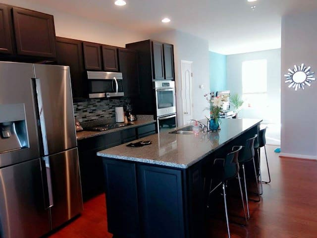 DC Bedroom Available- 10 Minutes from Nat'l Mall - Washington - House