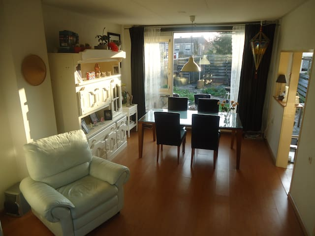 Big house with garden/25 min from Amsterdam center - Amsterdam - Hus