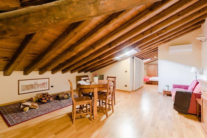 Cozy apartment close the Pantheon