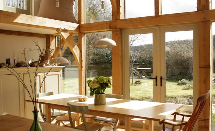 B&B in fabulous rural cottage