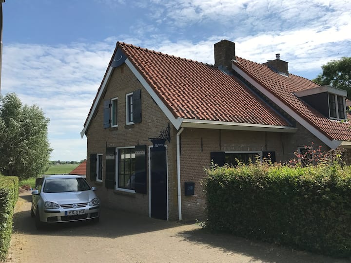 Prachtig huisje aan de rand van de Biesbosch!