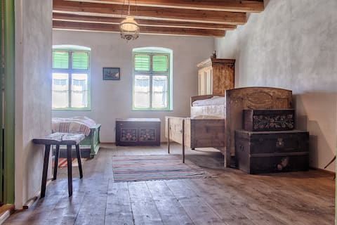 An authentic Transylvanian room in Viscri