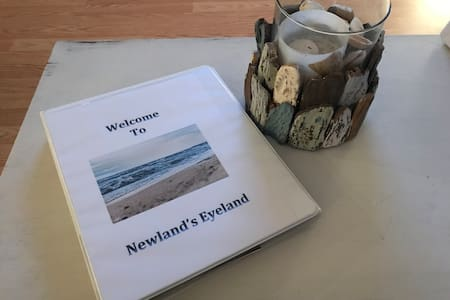 Newland's Eyeland Steps away from the beach path