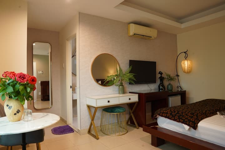 Small but cozy services in Binh Thanh district
