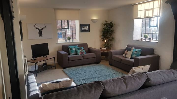 Chester - 2 Bedroom Apartment (Sleeps 8)