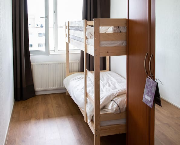second bedroom with bunkbed