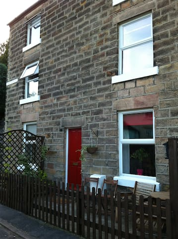 Hope Terrace Matlock Bath Sleeps 8 in 4 Bedrooms - Matlock Bath
