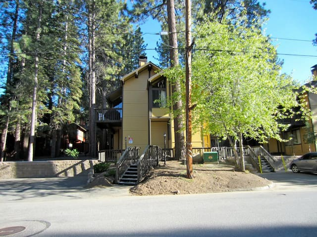 Walk to Snow Summit Ski Resort - Big Bear Lake - Rumah