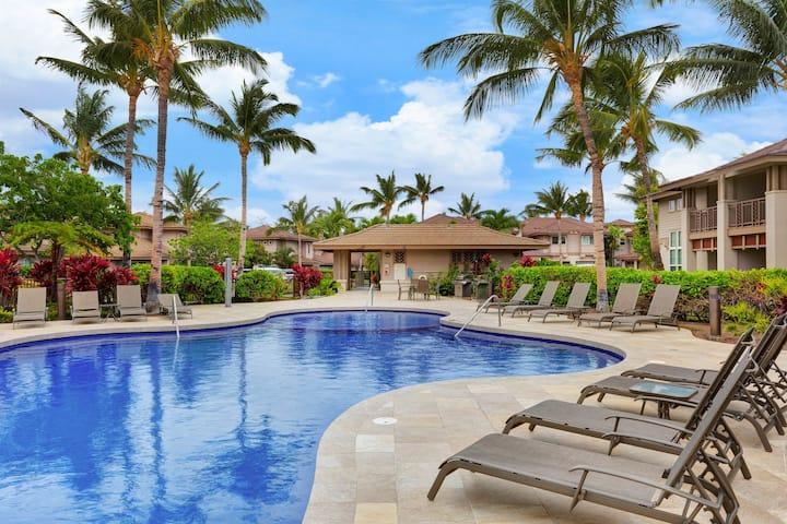 Breezy condo w/ lanai, shared pool, & hot tub - near golf & beach