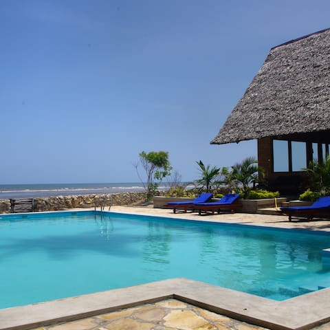 The Family Cottages' - Bagamoyo - Wikt i opierunek